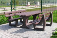 Bänke und Tisch in schwerer Ausführung