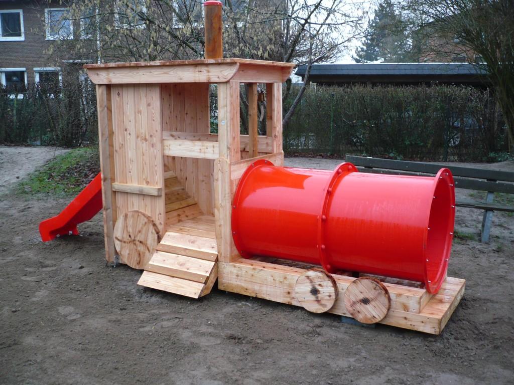 Lokomotive zum Klettern, Rutschen, Kriechen und Spielen