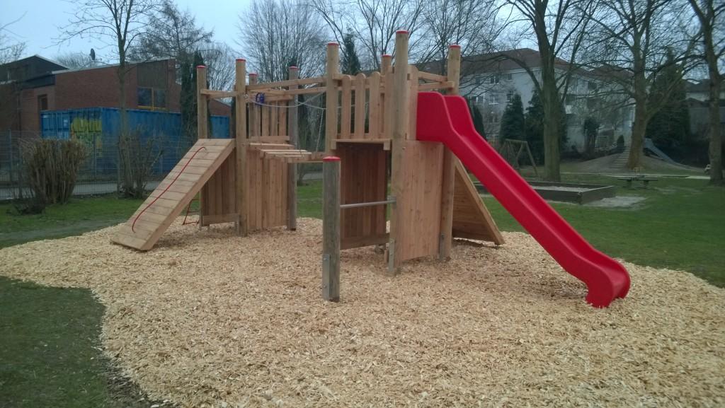 Neue Burg auf Holzschnipseln